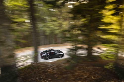 Automobilismo_Porsche911_0142_ps composta_web