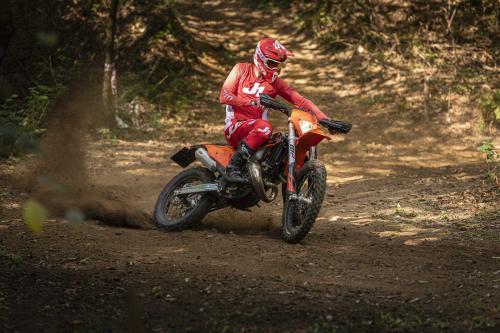 Motociclismo_Fuoristradacomparativa_3 enduro_248_ps_web