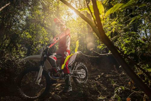 Motociclismo_Fuoristradacomparativa_3 enduro_300_ps_web