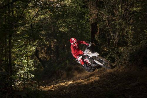 Motociclismo_Fuoristradacomparativa_3 enduro_307_ps_web