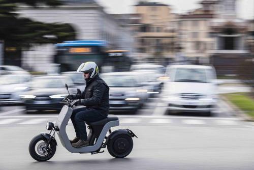 Motociclismo_Scooter_elettrico_Me_160_ps_web
