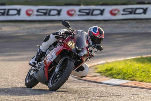 Motociclismo_comparativa125_1945_ps_web